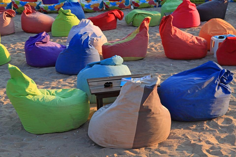 Sedací vaky na pláži
